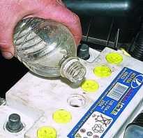 Как выровнять плотность электролита в банках аккумулятора? если не охота покупать новый