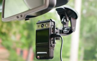 Как подключить видеорегистратор в автомобиль к плафону освещения